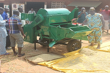 TRAINING: FIFTEEN TECHNICIANS EQUIPPED FOR THE CONSTRUCTION OF A NEW GENERATION THRESHER